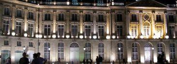 Au rythme des discussions sur la place de la Bourse à Bordeaux
