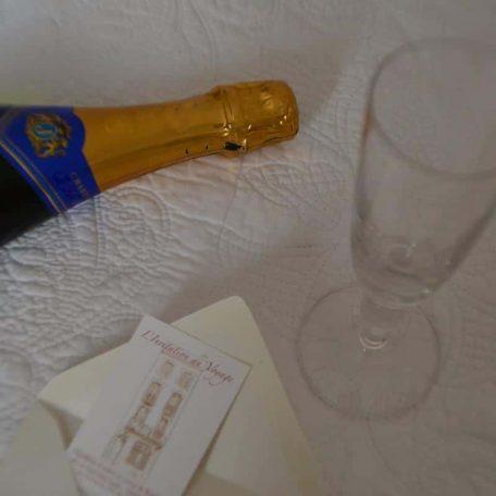 Quelque chose à fêter ? on commande le champagne